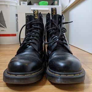Dr. Martens Smooth Leather Boots (+ accessories!)